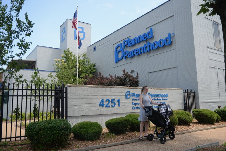 Planned Parenthoods stop providing abortions Texas law