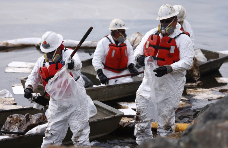 Oil spill workers California