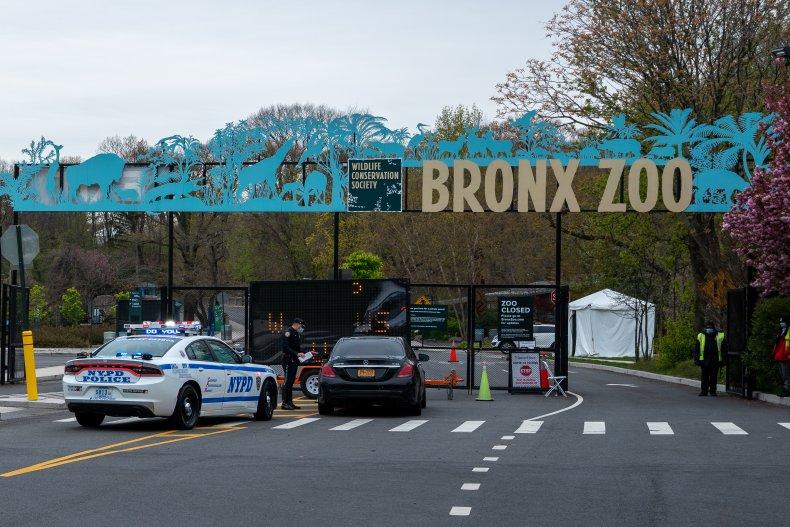 Bronx Zoo main gates closed