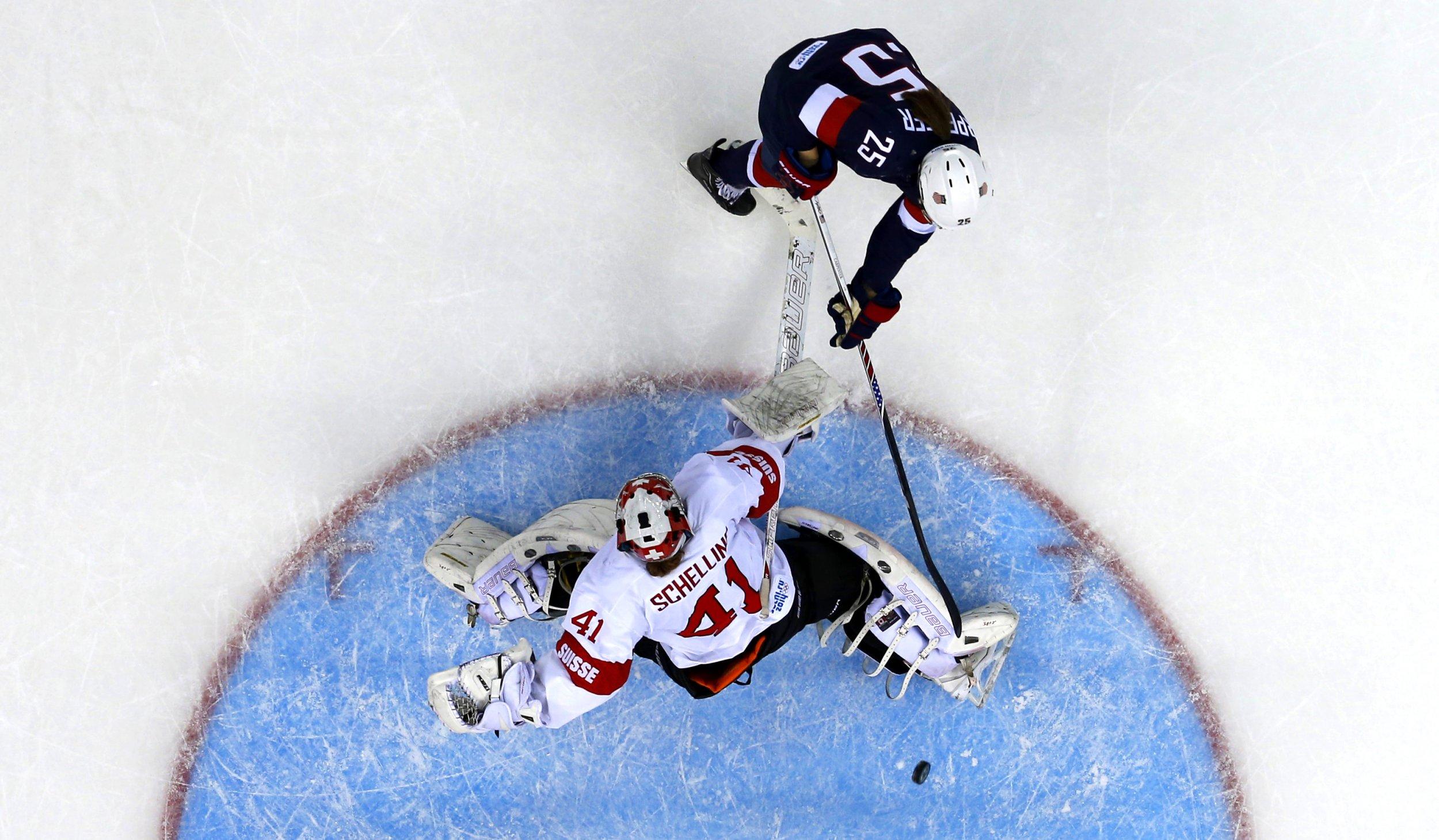 2.10_USHockey_MarkBlinchReuters