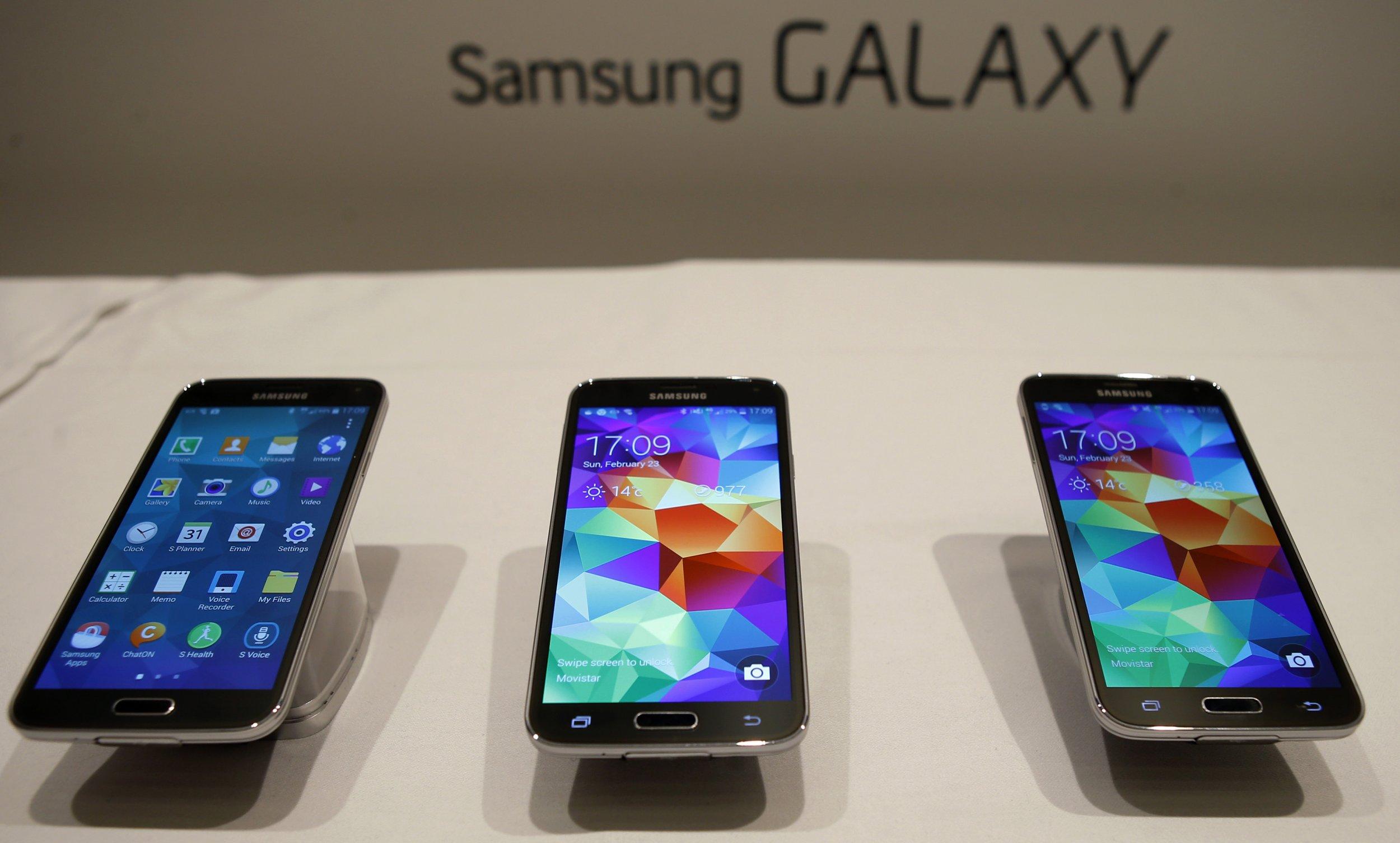Samsung Galaxy S5 smartphones