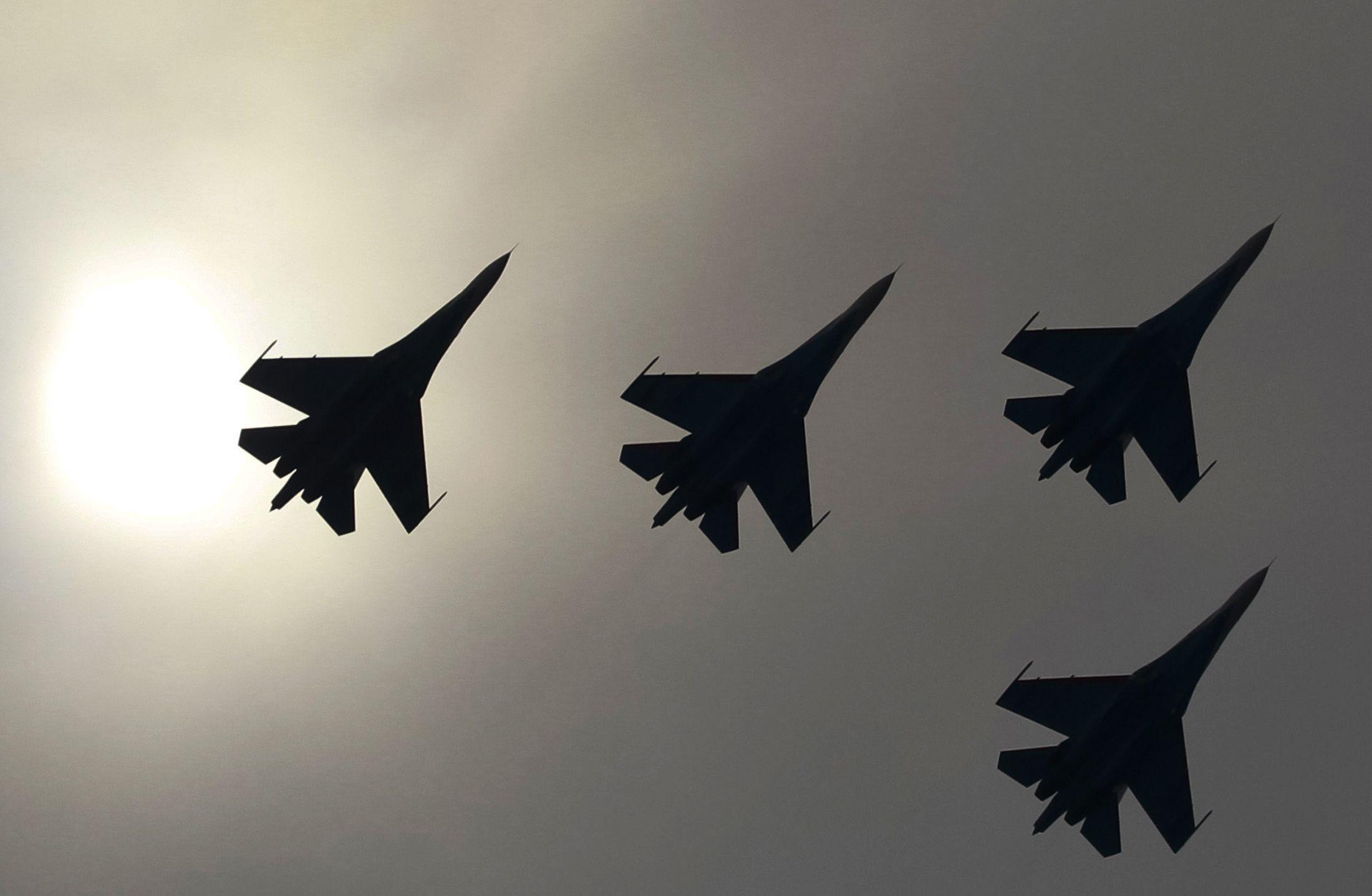 su-27 jets planes