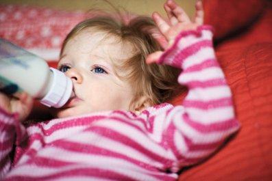 130522-lemmon-nm0619-breastfeeding-tease