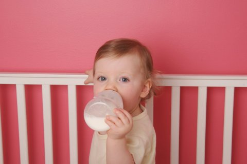 130522-lemmon-nm0619-breastfeeding-embed1