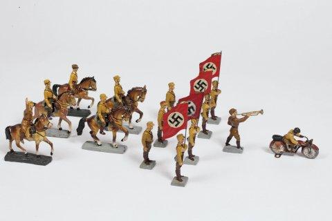 romano-cu0120-war_games-embed4