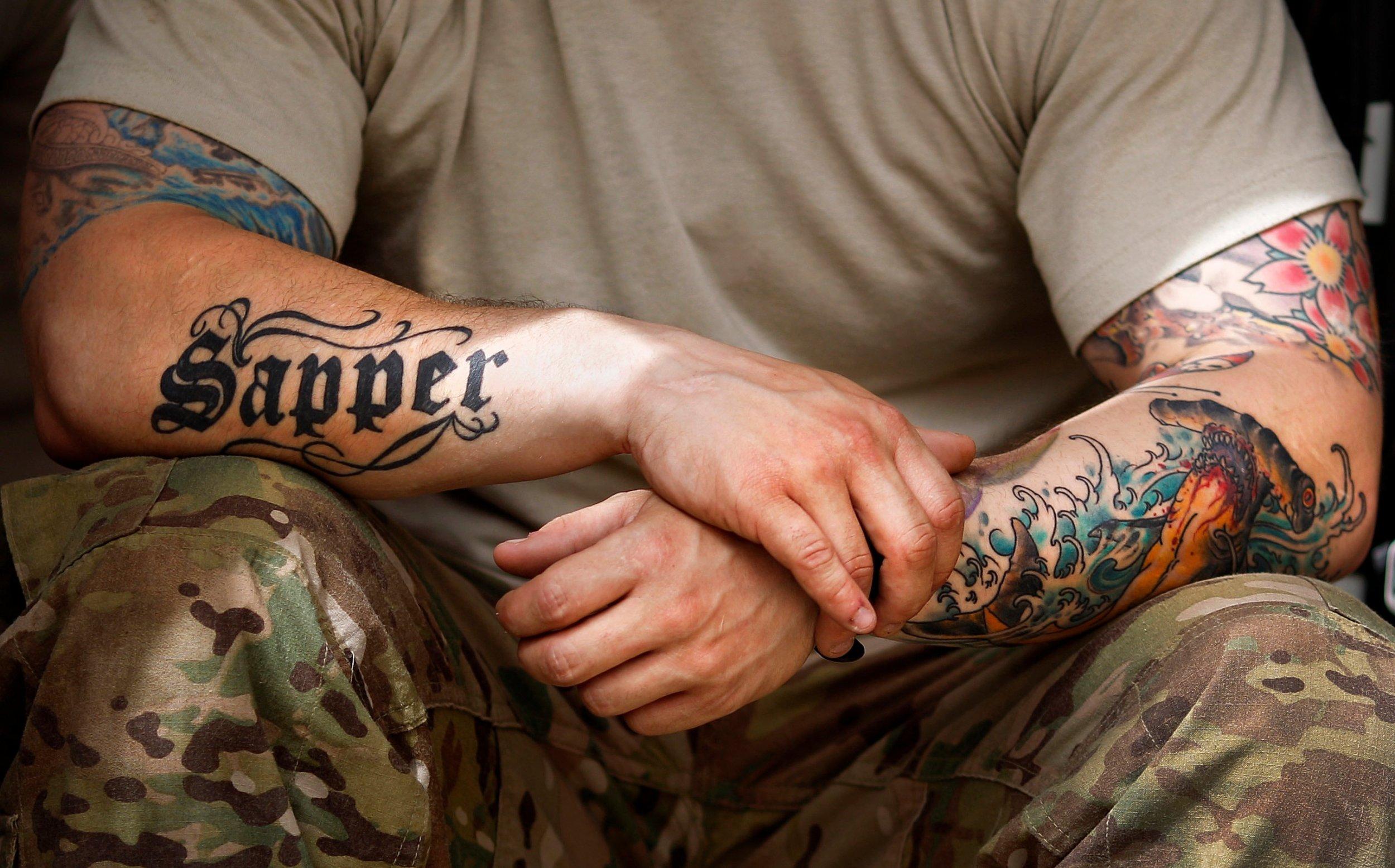 армейские фотографии с тату оставайся