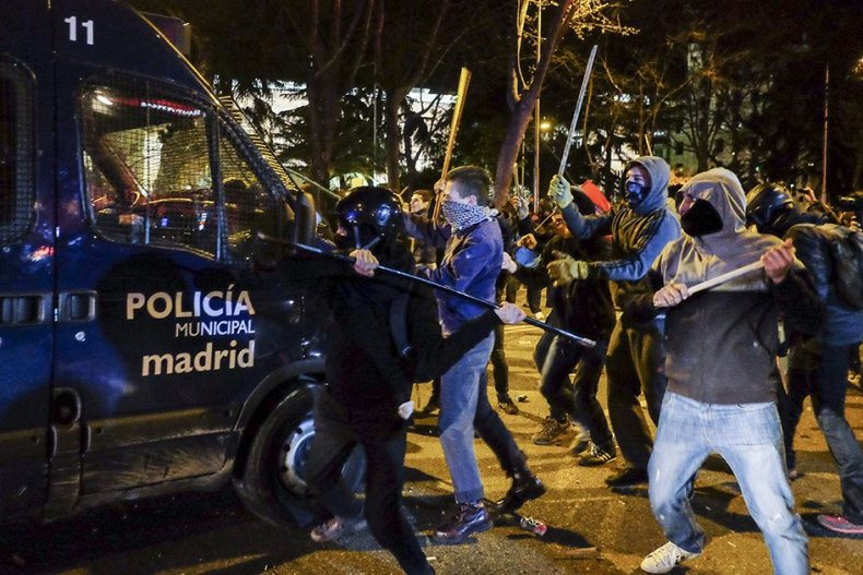 3.24_Spain_Protest_04