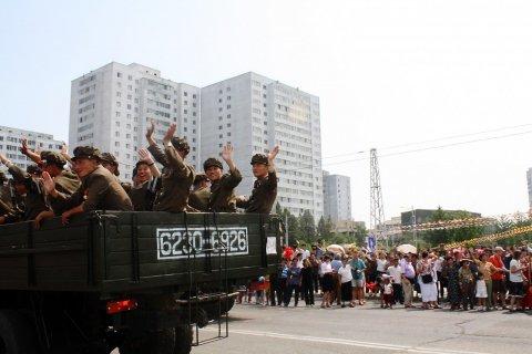 11-15-2013_FE0241_NorthKorea_military