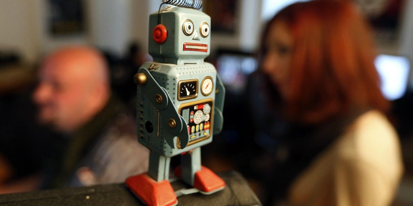 12-13-13_NW0145_Robot