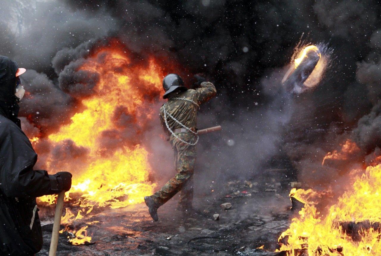 Ukraine Protests Spread Beyond Kiev