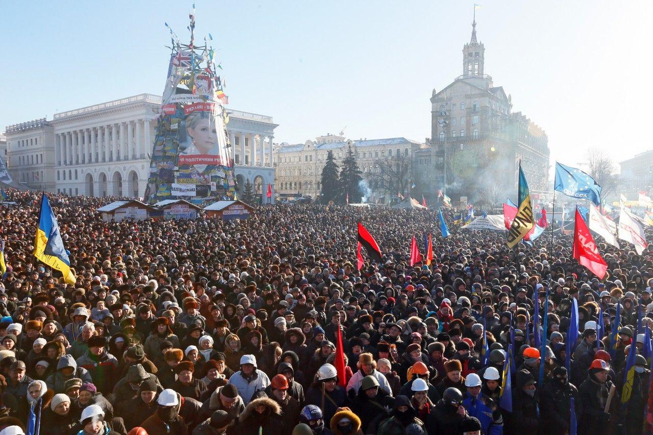 Ukraine's President Returns to Protesters Who Never Left