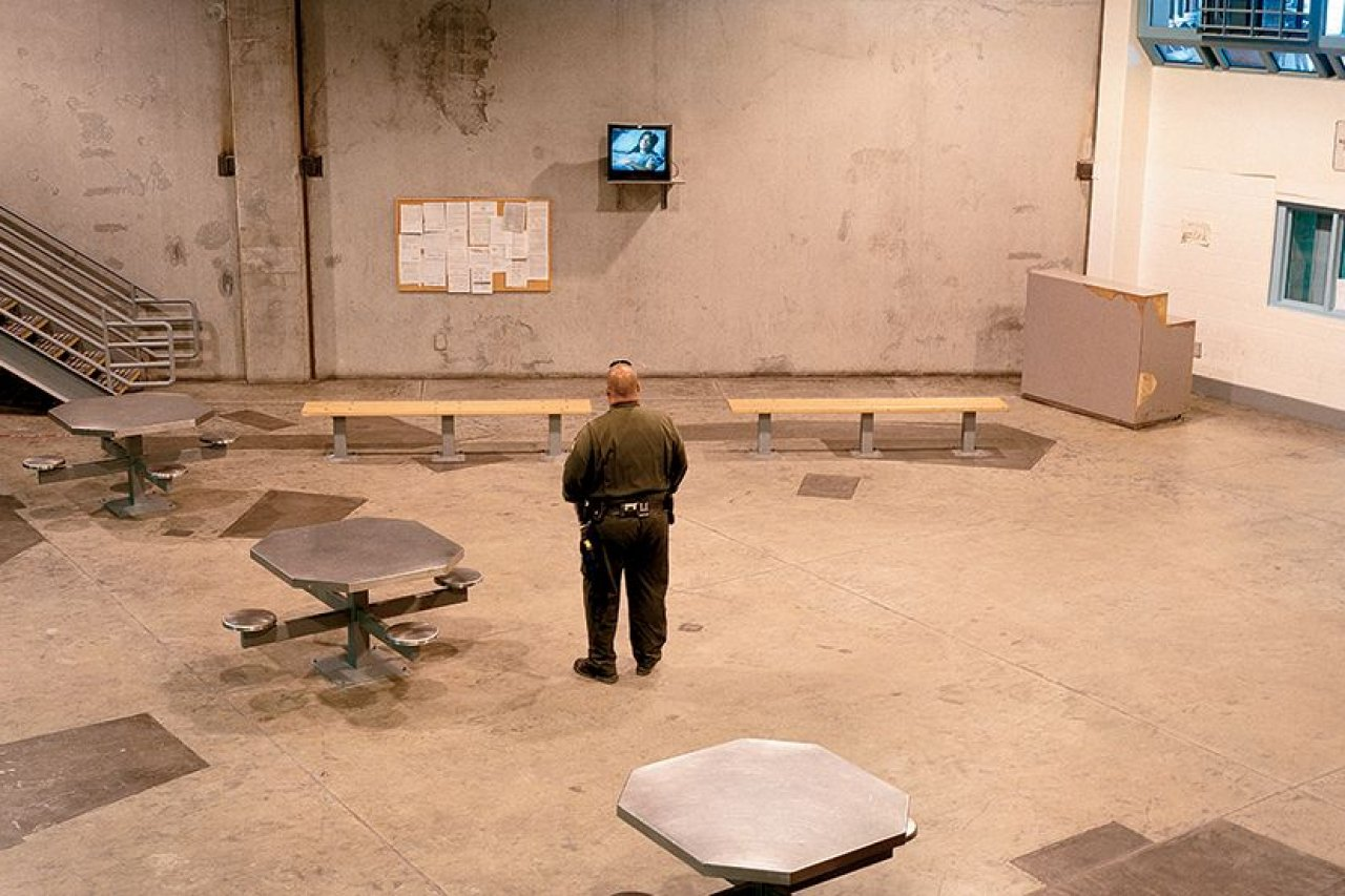 5.30_PG0222_PrisonGuards_01