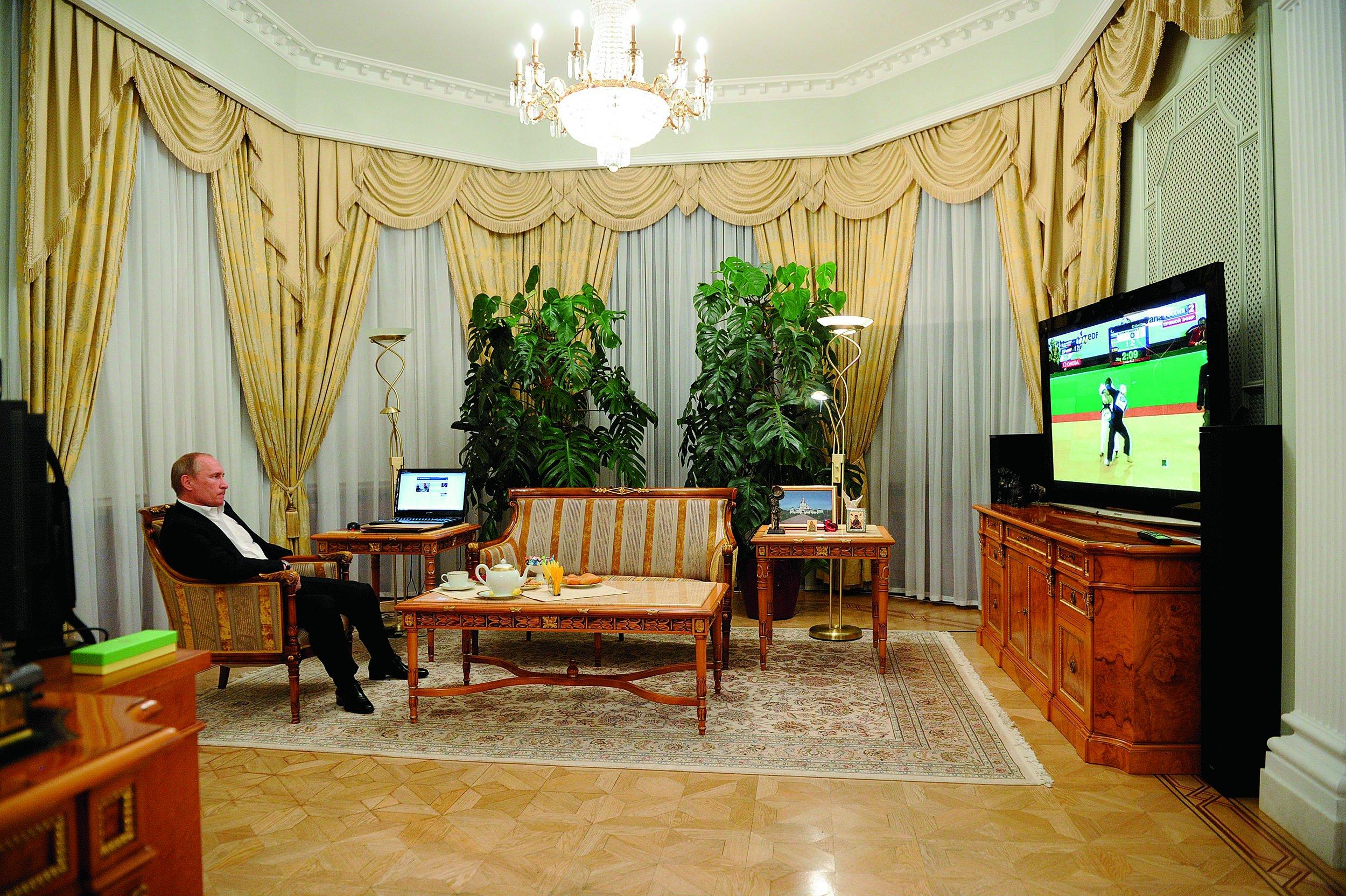 Владимира Путина удивило решение Ксении Собчак | StarHit.ru