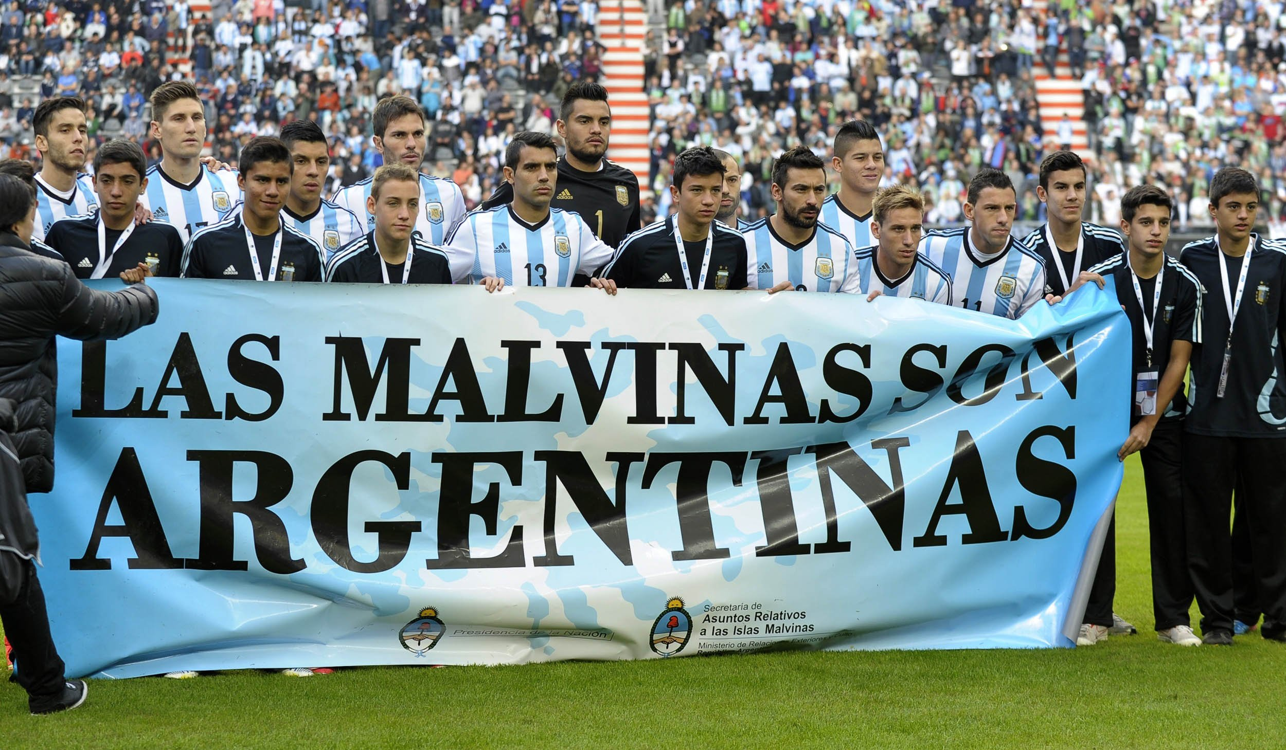 6.9_World_Cup_Banner_Argentina