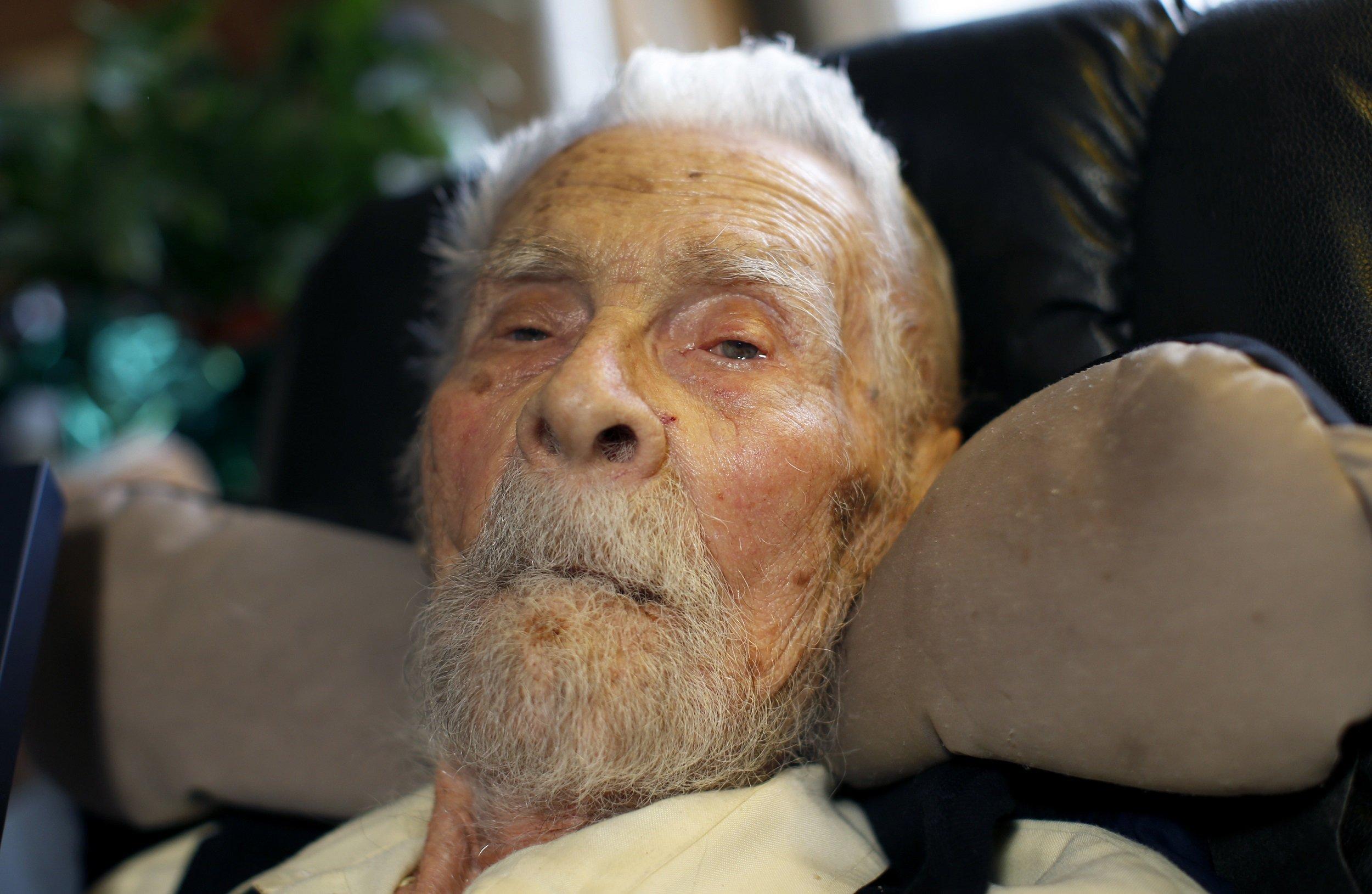 самый старый человек фотография