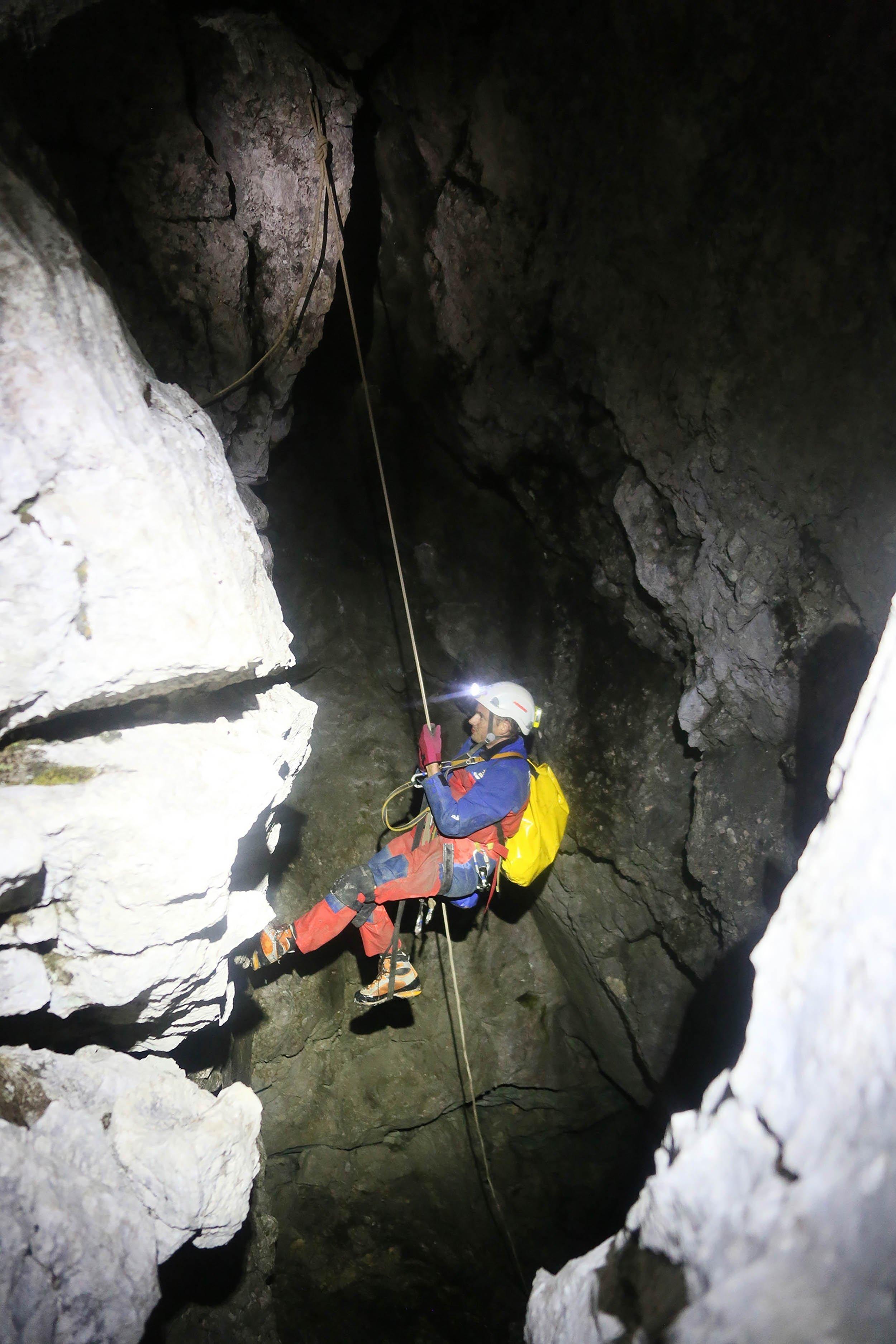 6.10_German_Cave