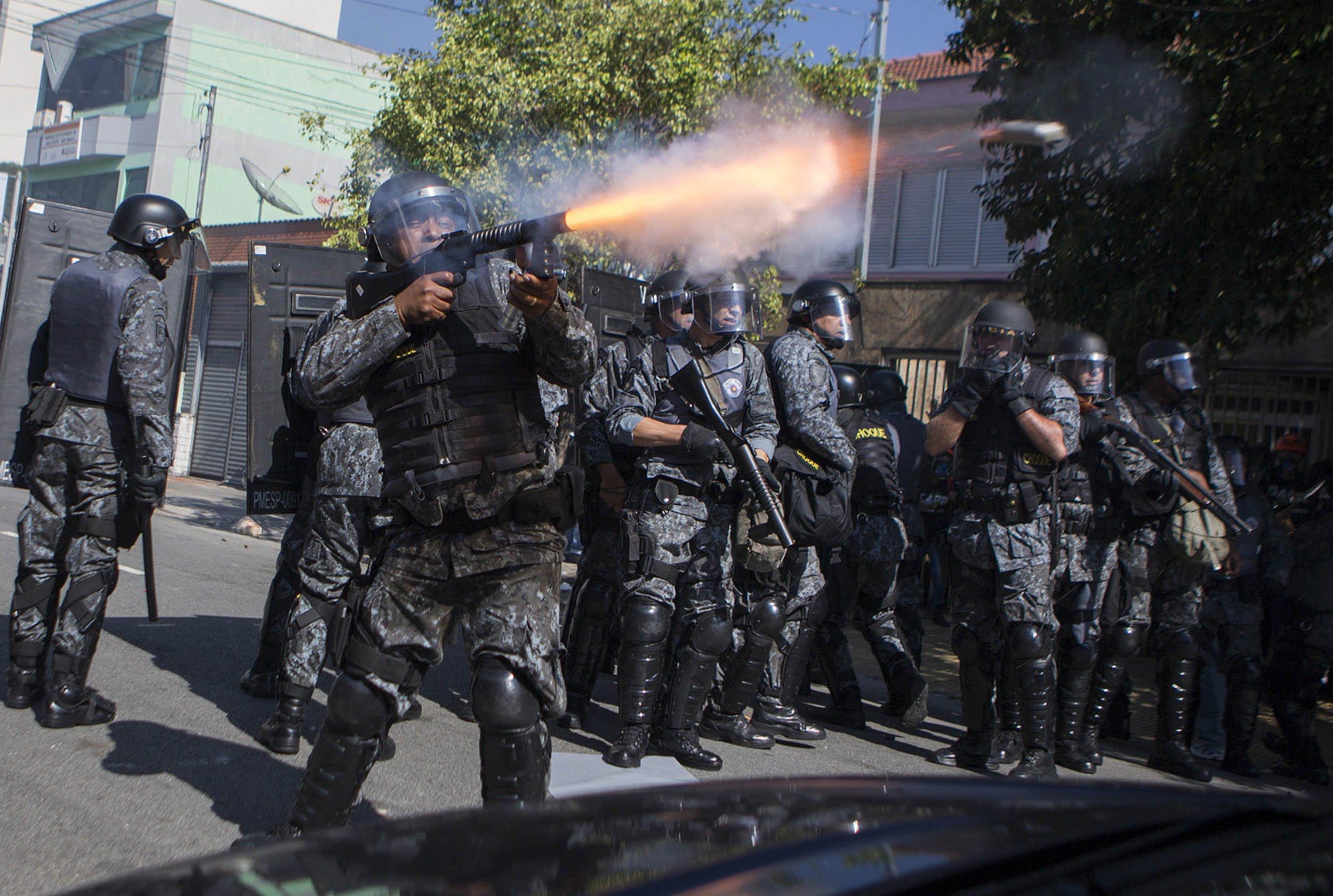 6.12_Brazil_Protest_07