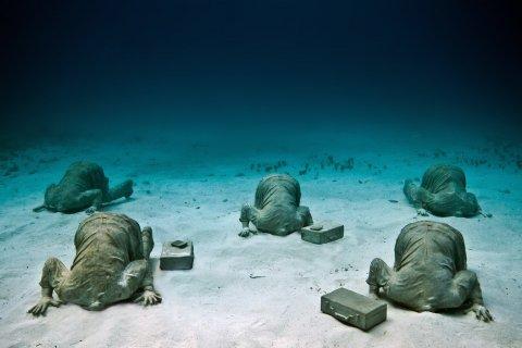6-25-underwater-art-10