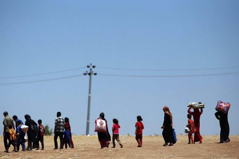 ISIS -- families fleeing
