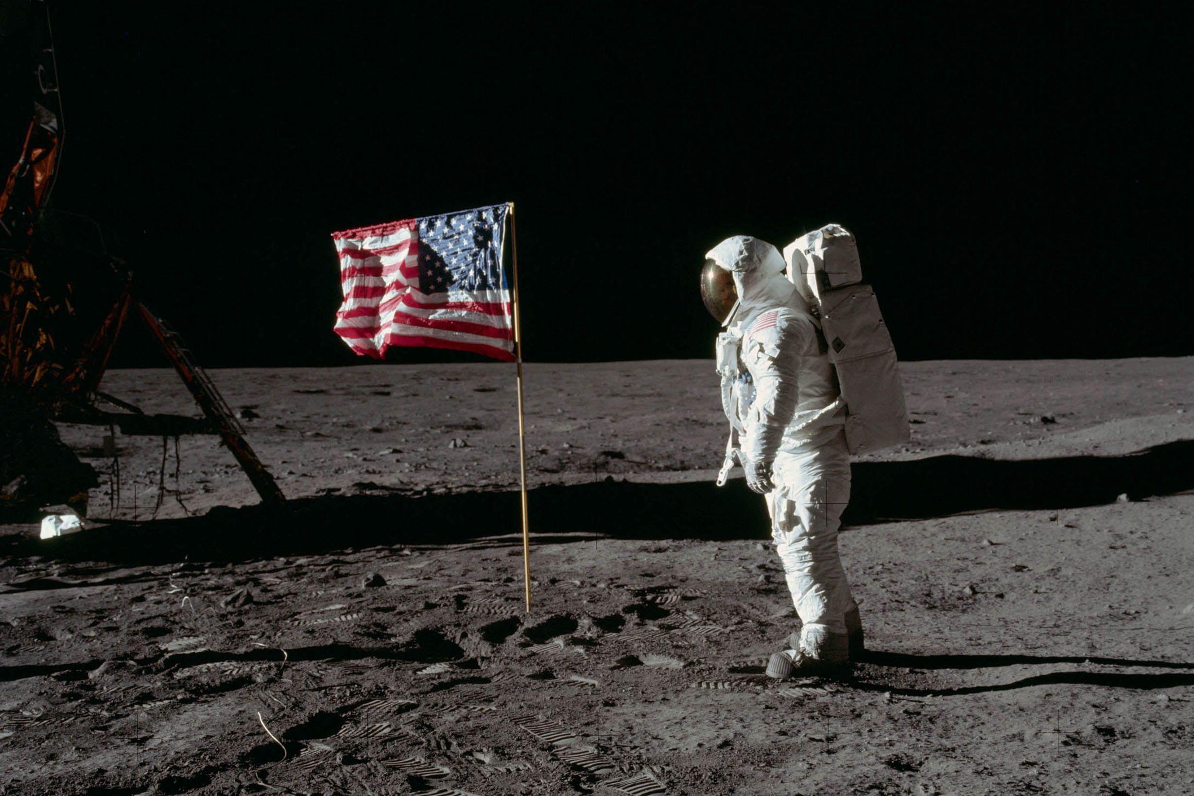 7_16_Apollo11_TOP