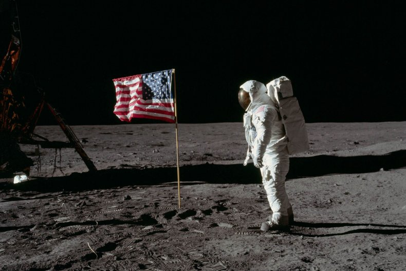 7_16_Apollo11_TOP