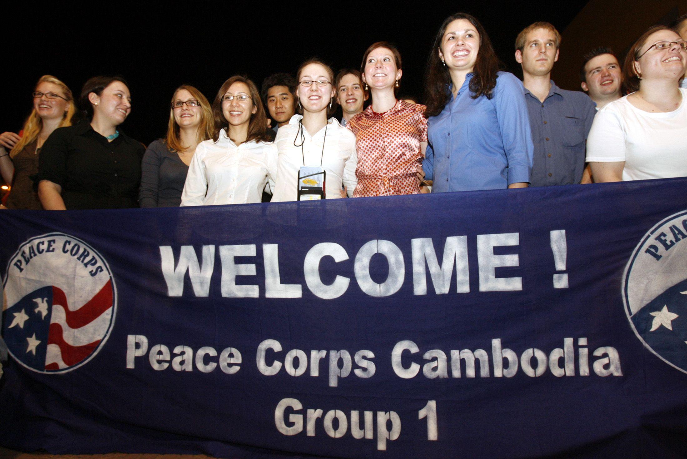 2007American teachers arrive at Phnom Penh international airport February 2, 2007.