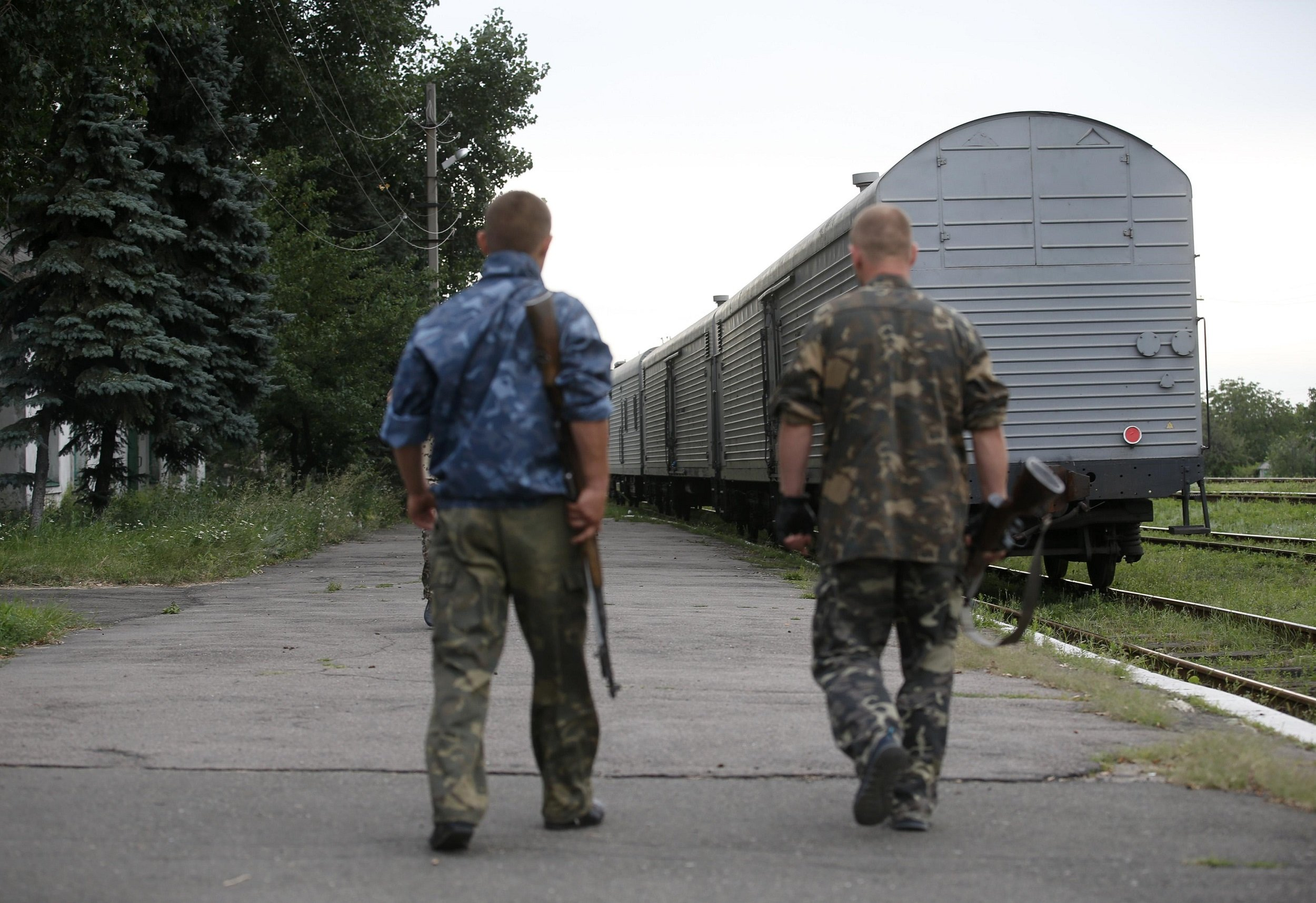 2014-07-21T171847Z_1054845472_GM1EA7M03EB01_RTRMADP_3_UKRAINE-CRISIS-TRAIN