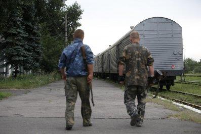 2014-07-21T171847Z_1054845472_GM1EA7M03EB01_RTRMADP_3_UKRAINE-CRISIS-TRAIN