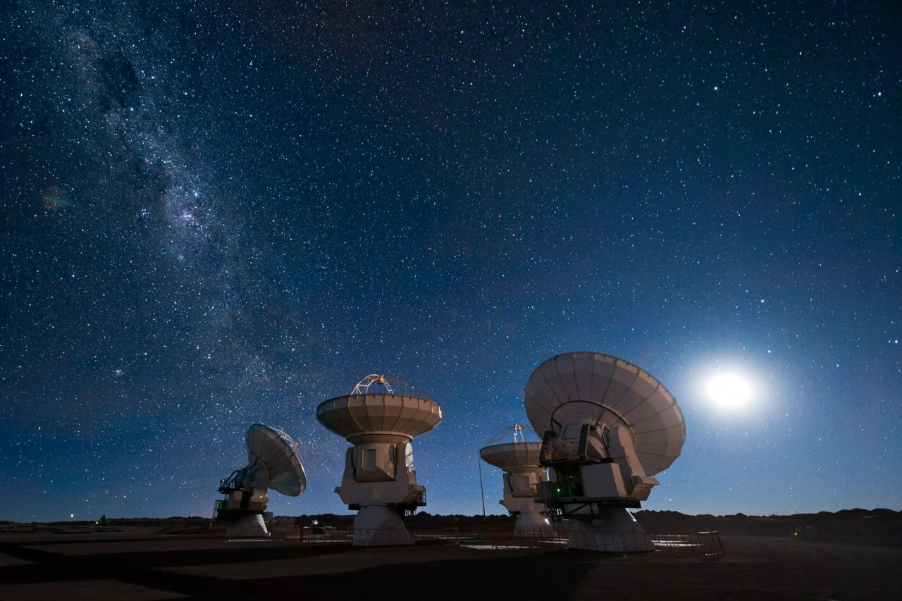Four_antennas_ALMA