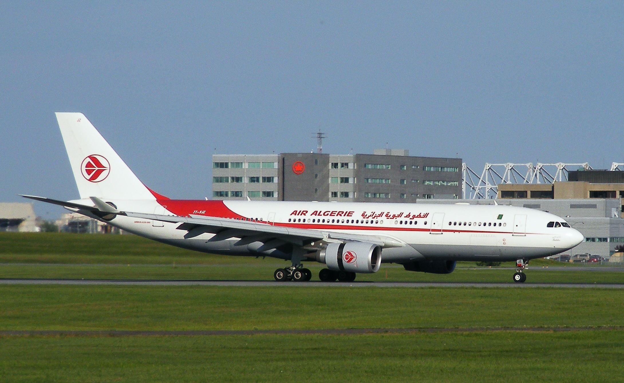 Air_Algérie_A330_@_YUL