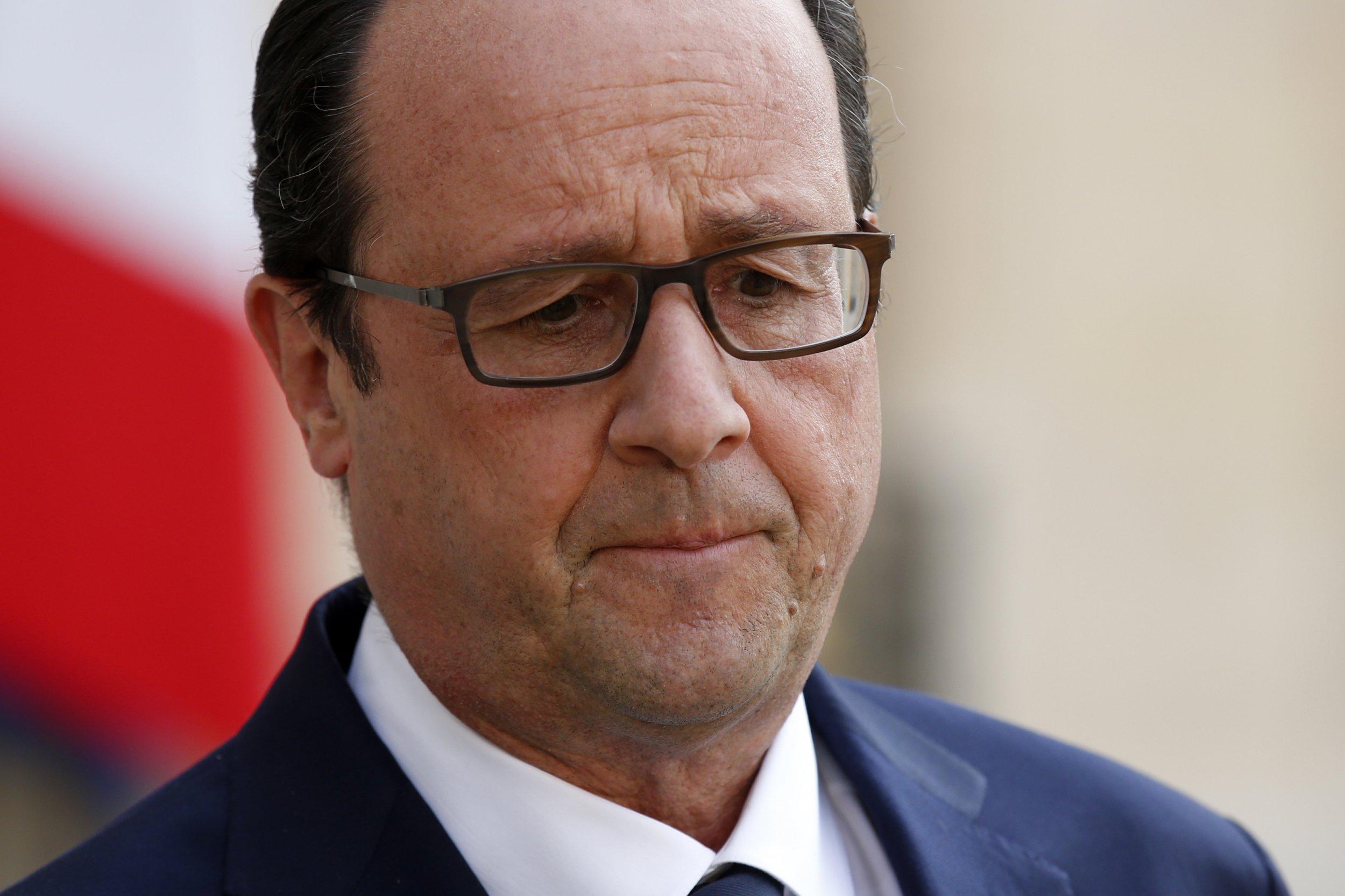 Hollande after Air Algerie crash