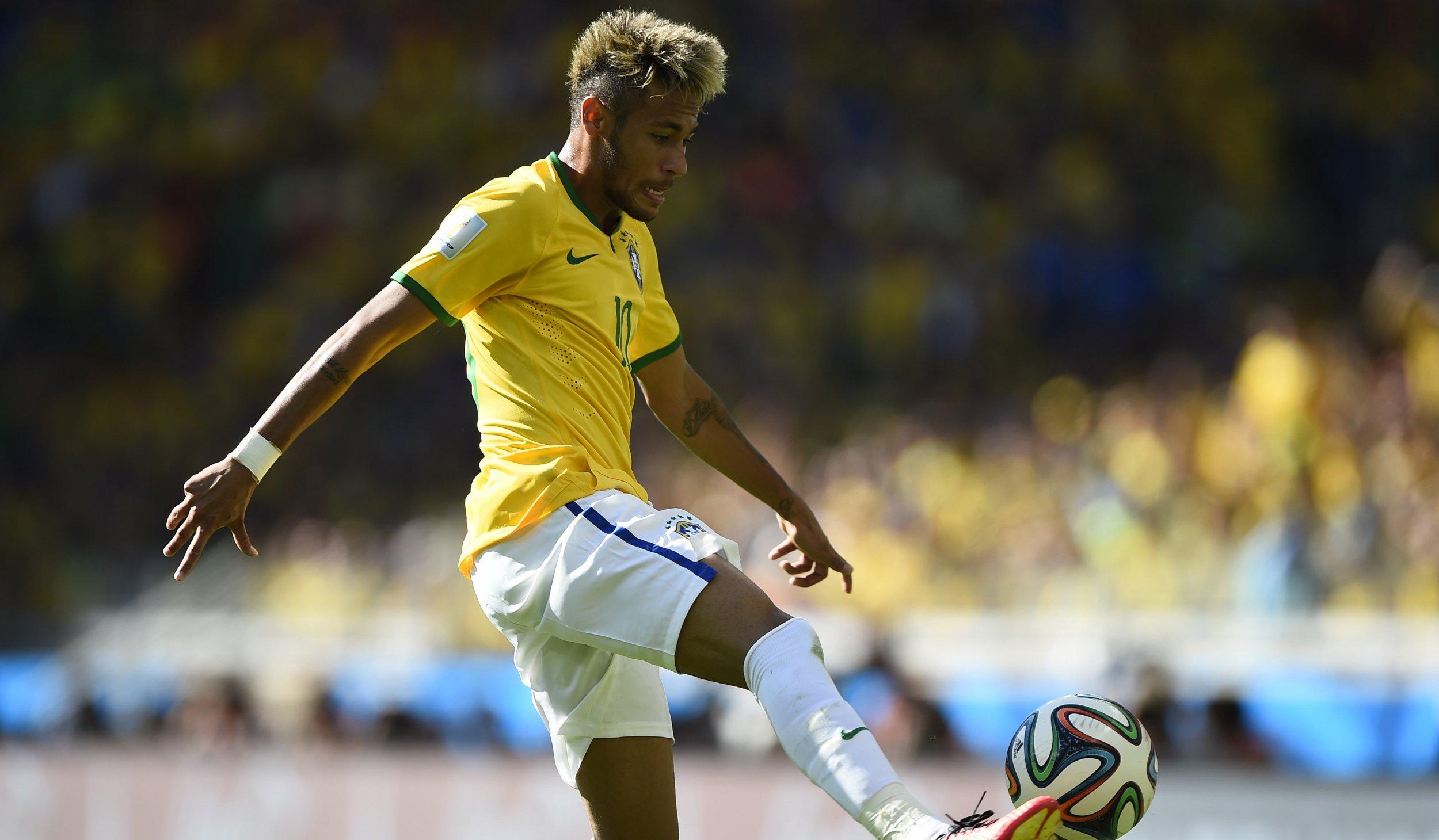 Neymar kick