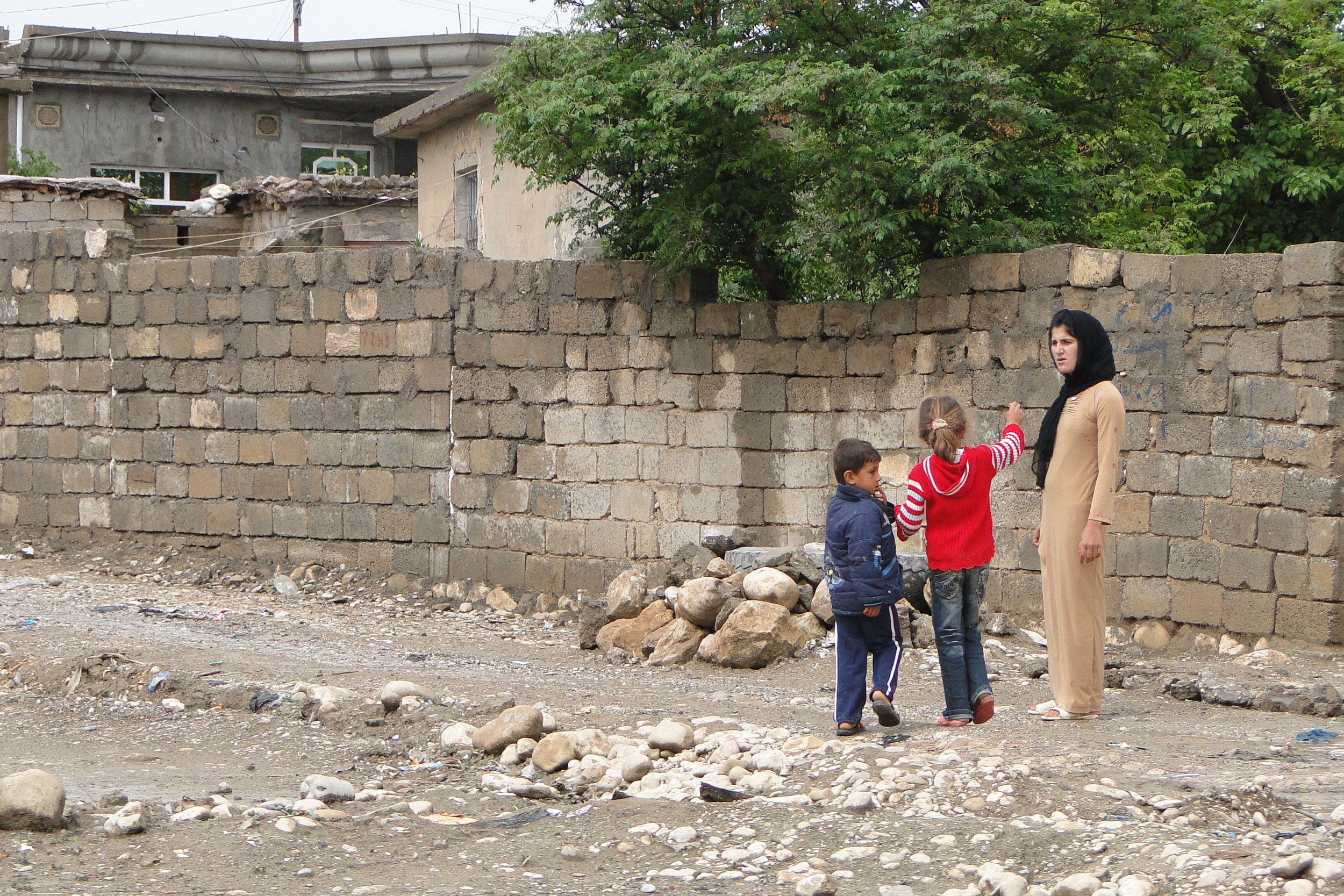 Village_Scene_near_Sulaimani-Suleimaniya_-_Kurdistan_-_Iraq