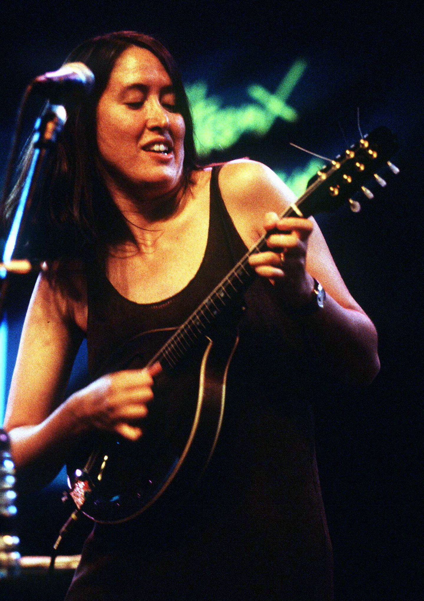 Montreux Jazz Festival >> Raise the Woof: Michelle Shocked Releases Album Only Audible to Dogs