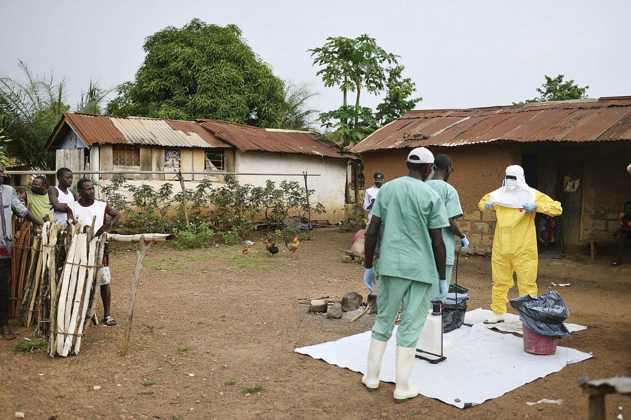 08_08_PG0106_Ebola_03
