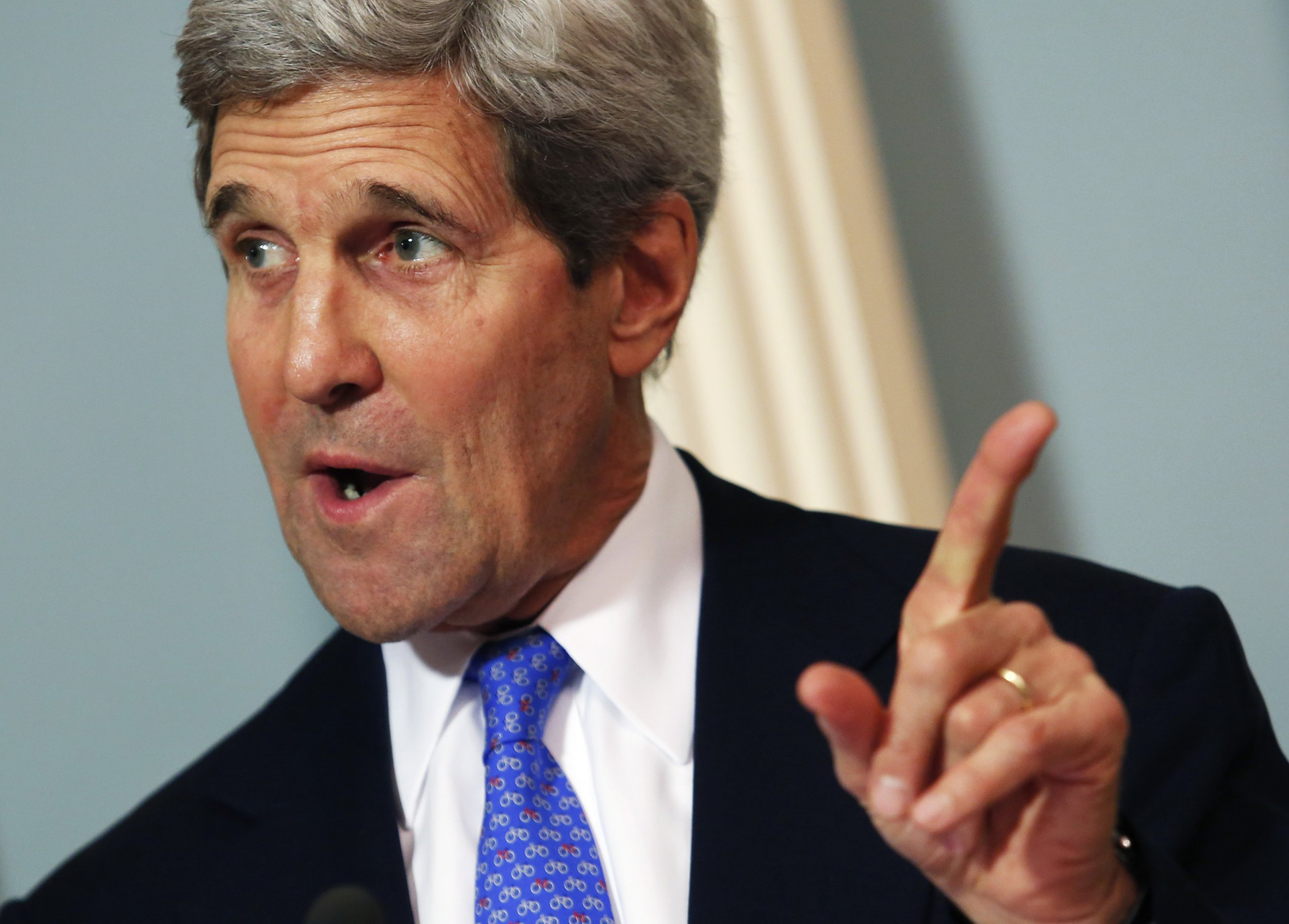 John Kerry tries to break Afghan candidate deadlock