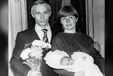 08_22_PutinDaughters_01_WEB