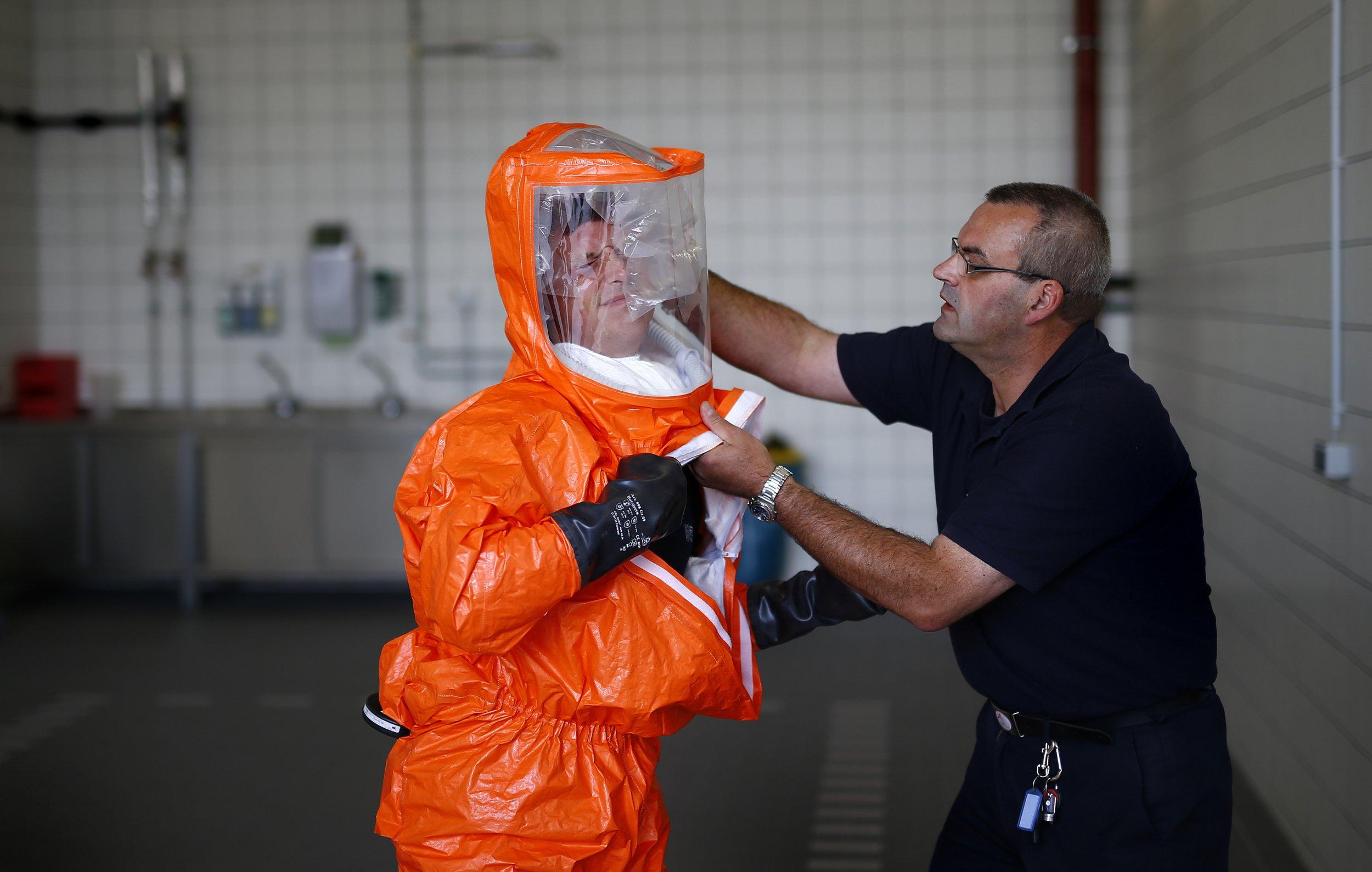 EbolaSuitGermany