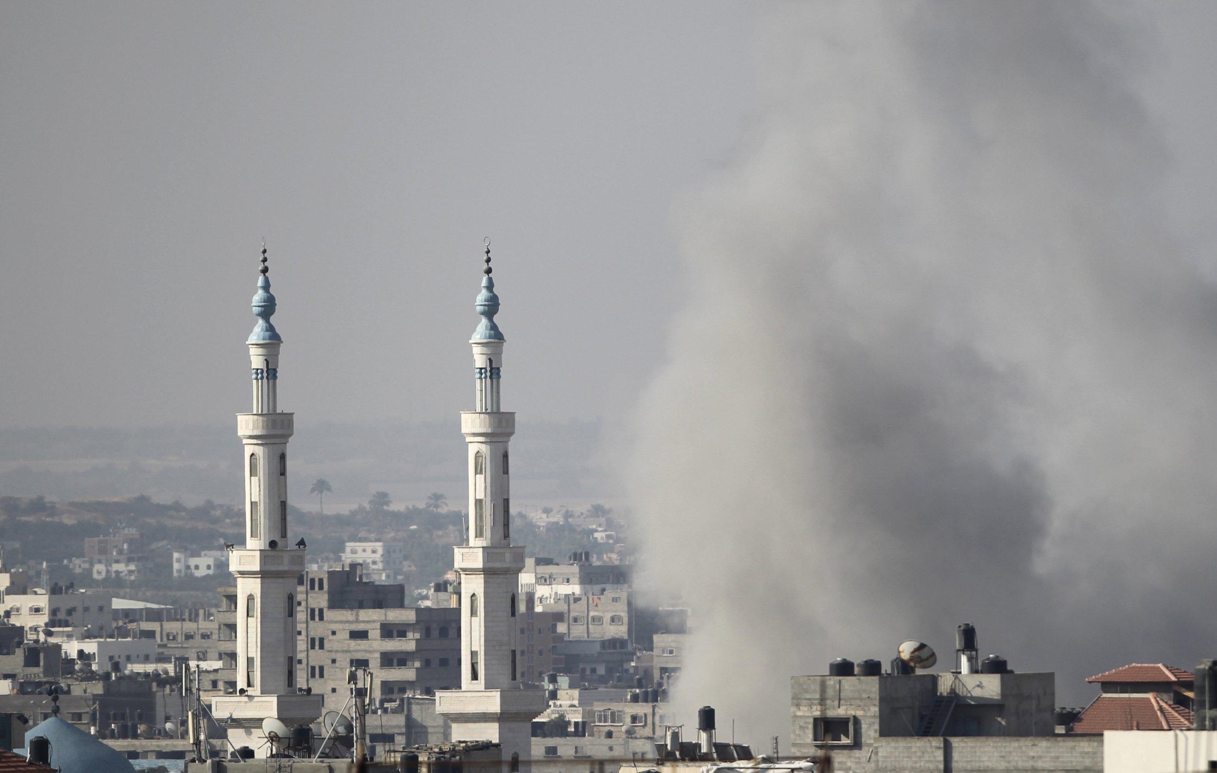 Gazas smoke rising