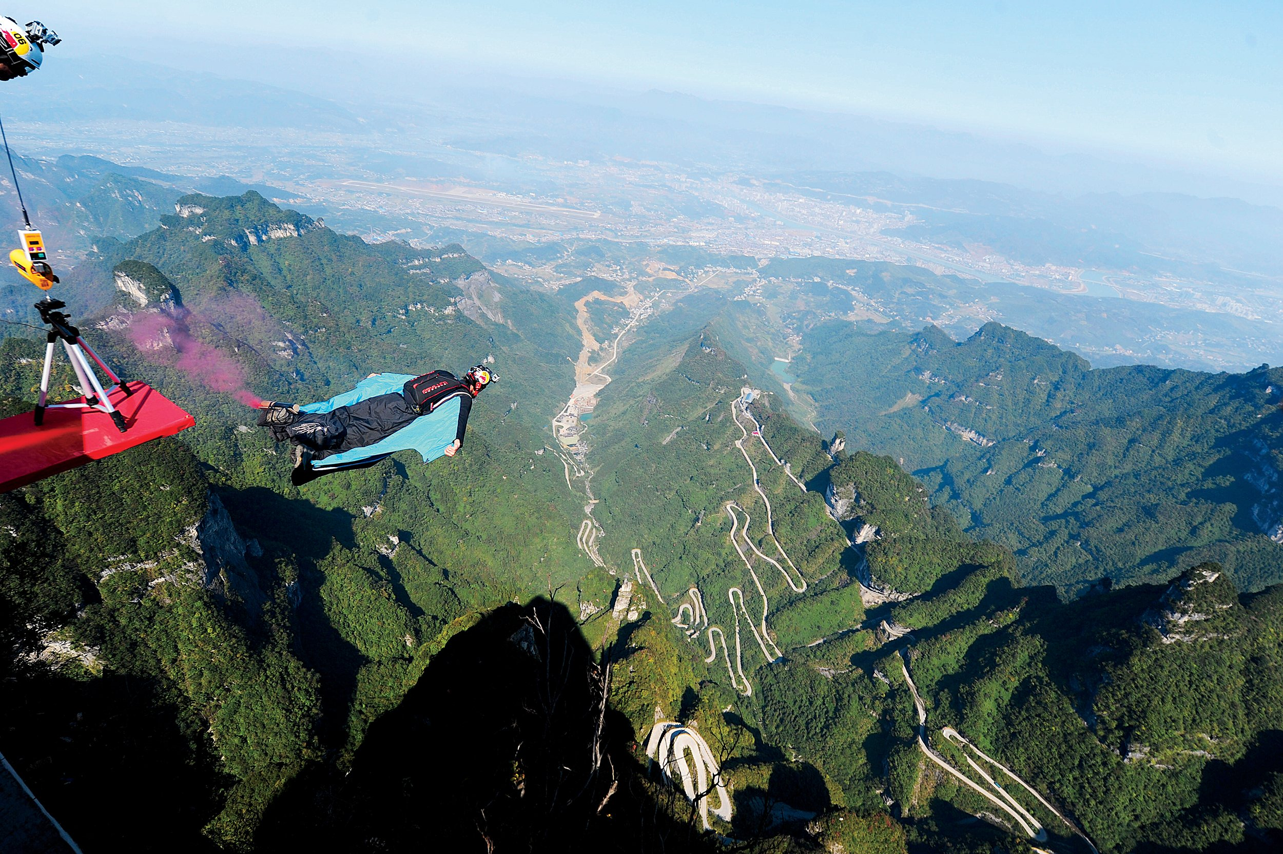 how to become a wingsuit base jumper