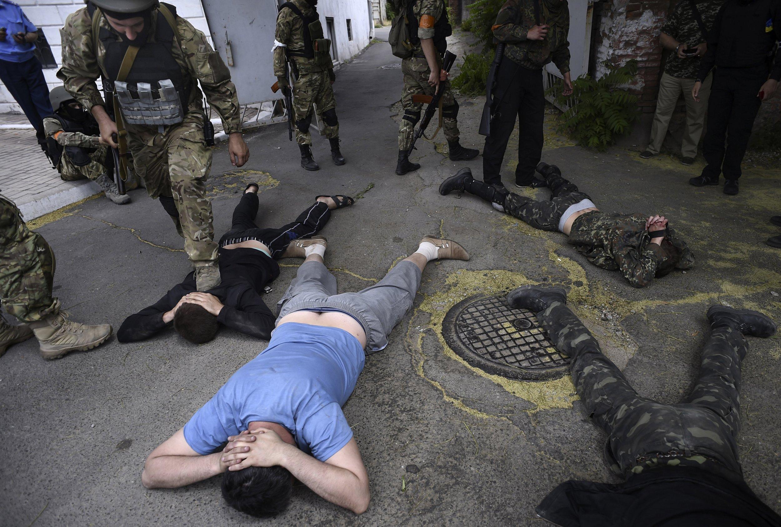 """Résultat de recherche d'images pour """"azov violence"""""""