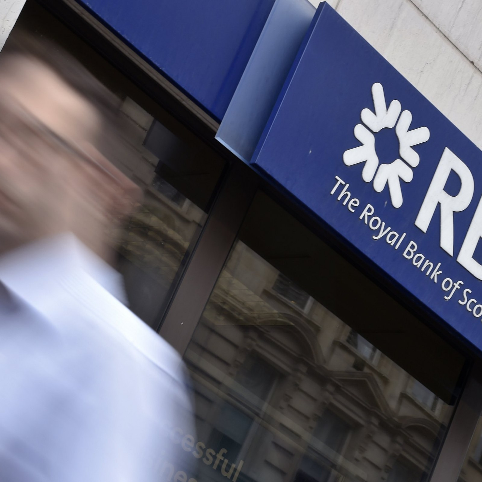 Scotland's Two Biggest Banks to Move South If Scots Vote for
