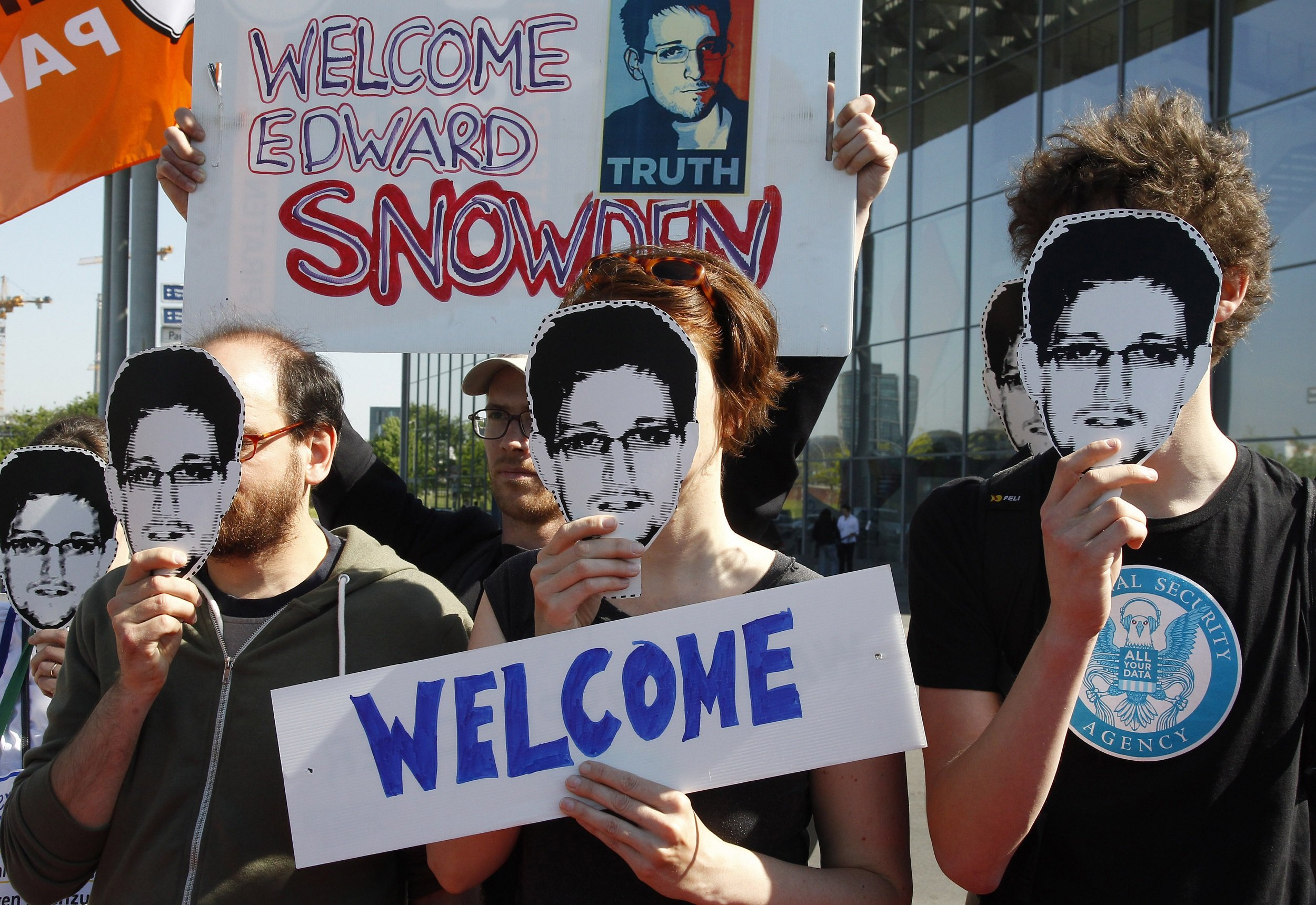 Edward Snowden switzerland