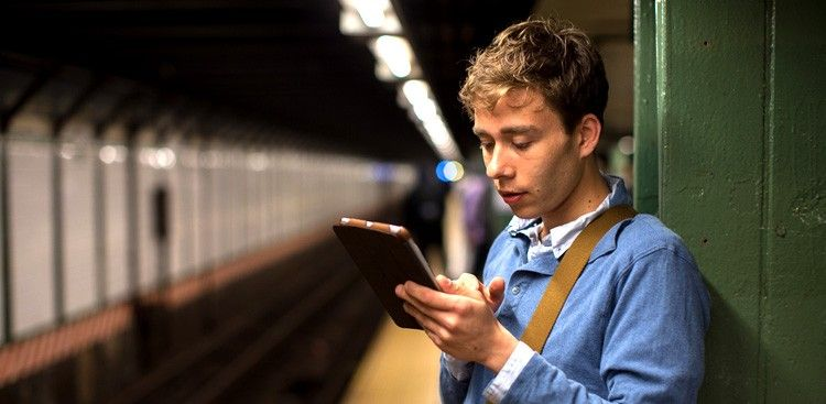 The 9 Best Apps for Reading on Your Daily Commute
