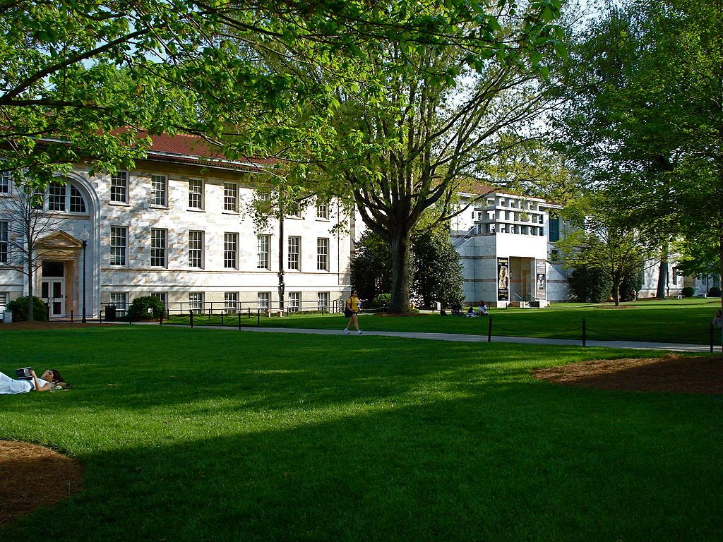 collegiate research university located - 800×600