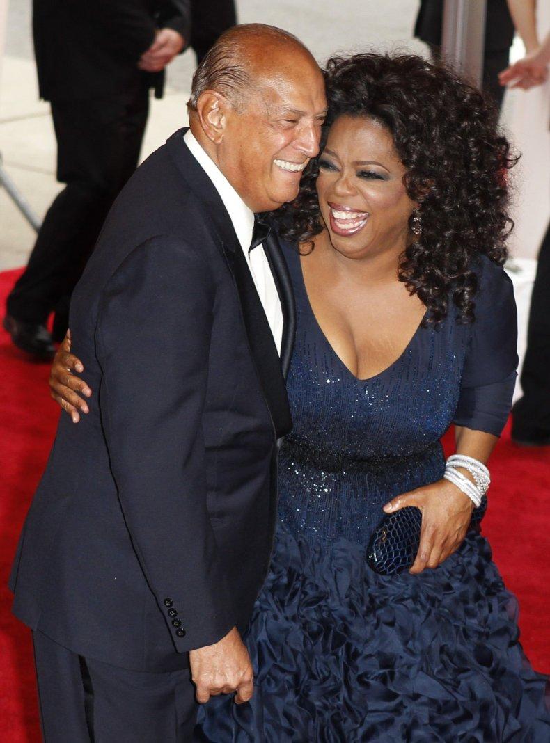 10-21-14 de la Renta Oprah 1