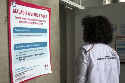 Ebola Charles de Gaulle