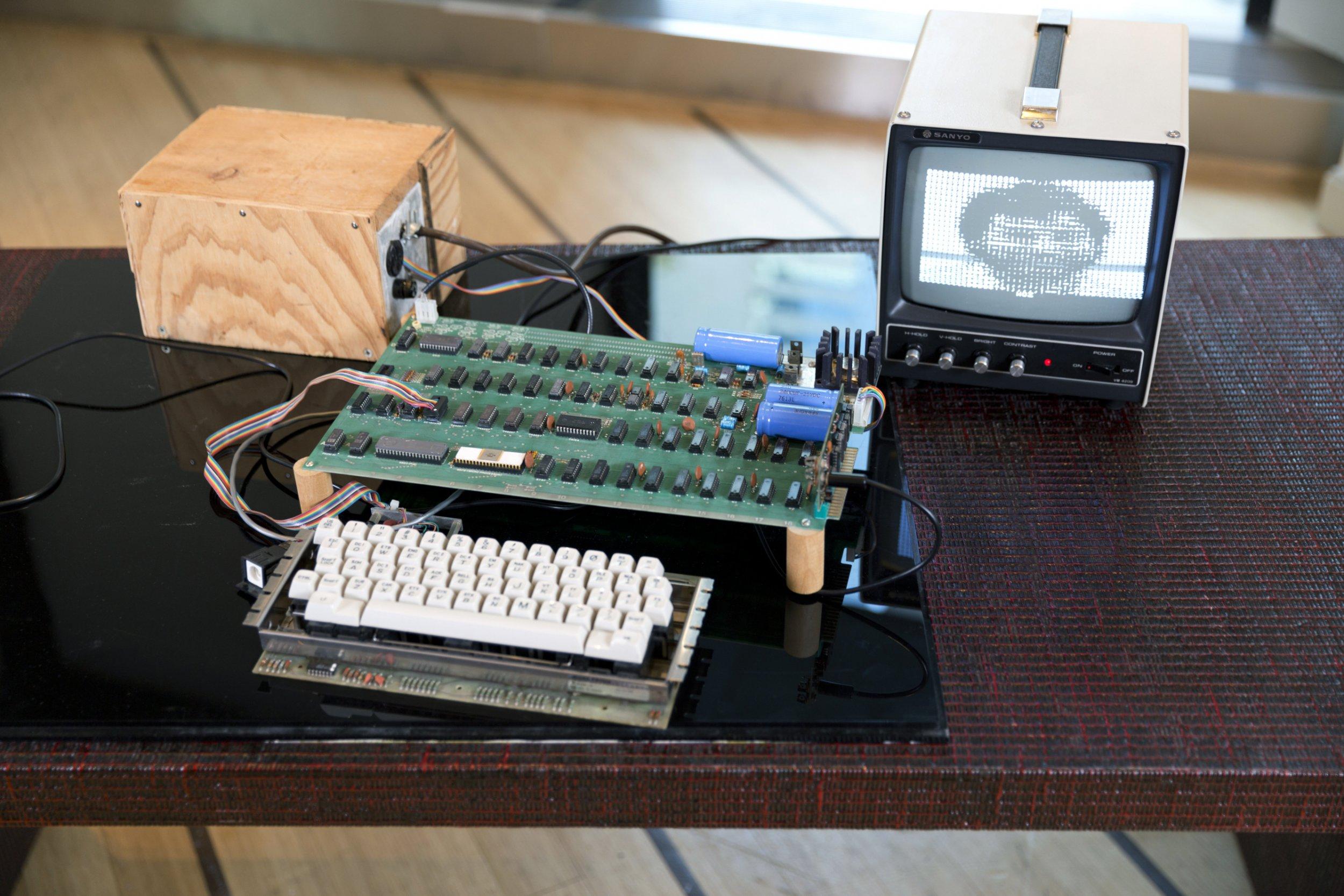 10-22-14 Apple-1 setup