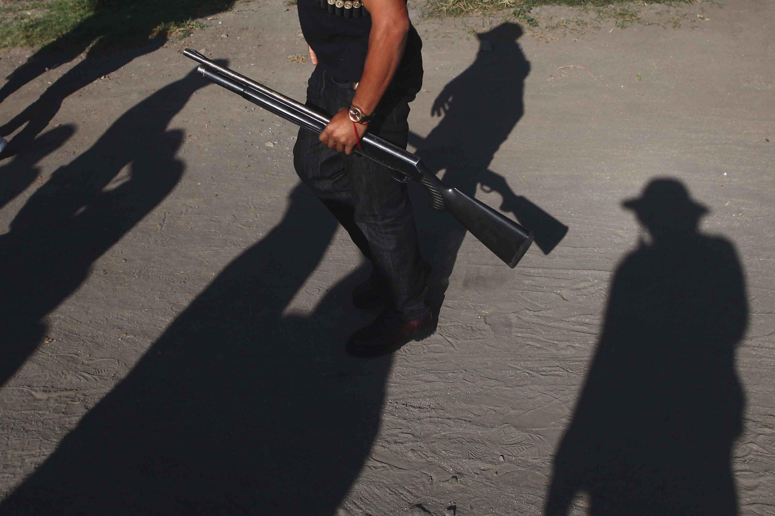 10_27_guns_cops