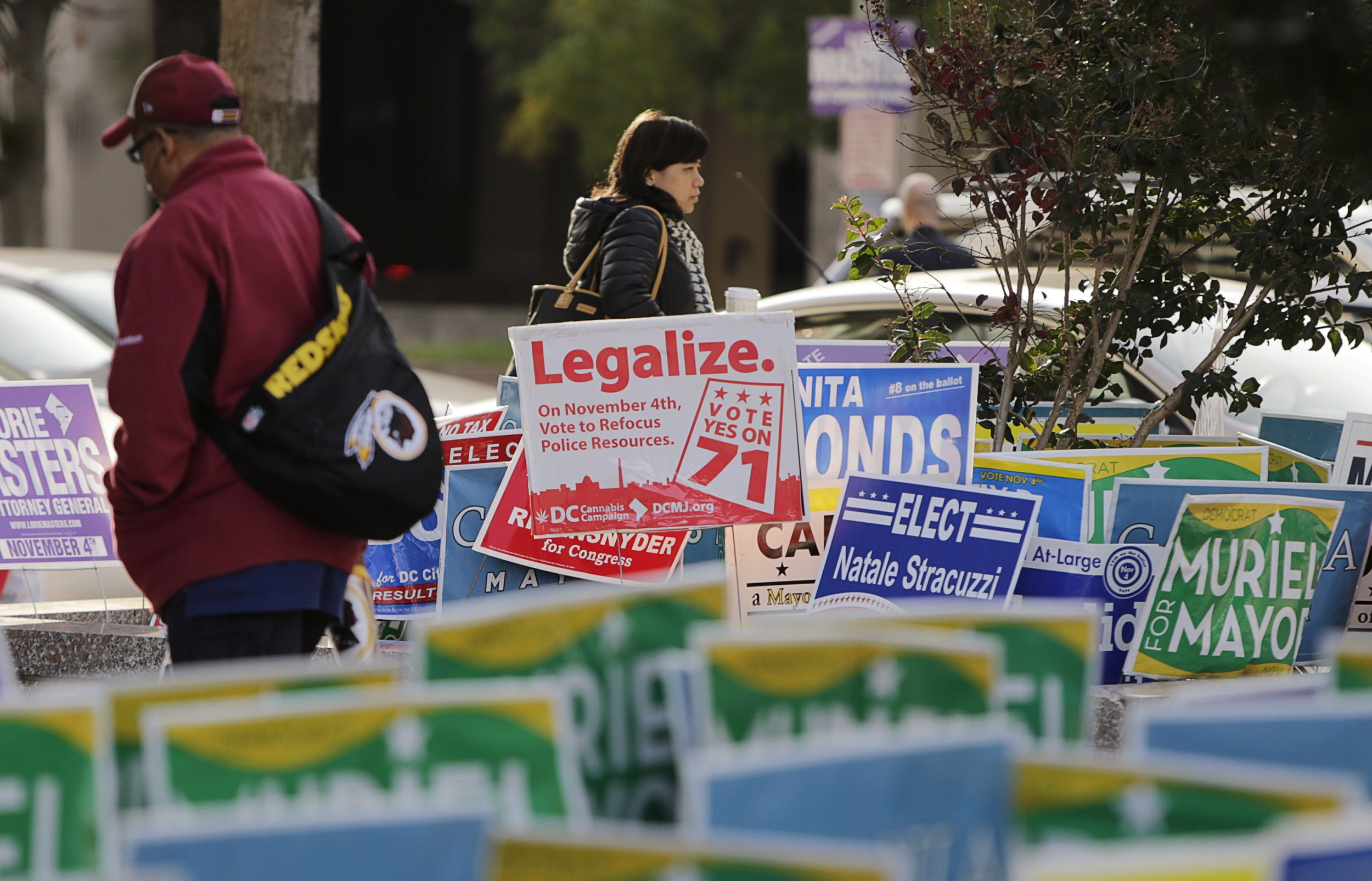a discussion on whether the legalization of marijuana would be good for the nation Tvert told huffpost that growing acceptance and the convenience of having a fully legal and reliable source for all things marijuana will draw in new customers, drive down prices and convert those .